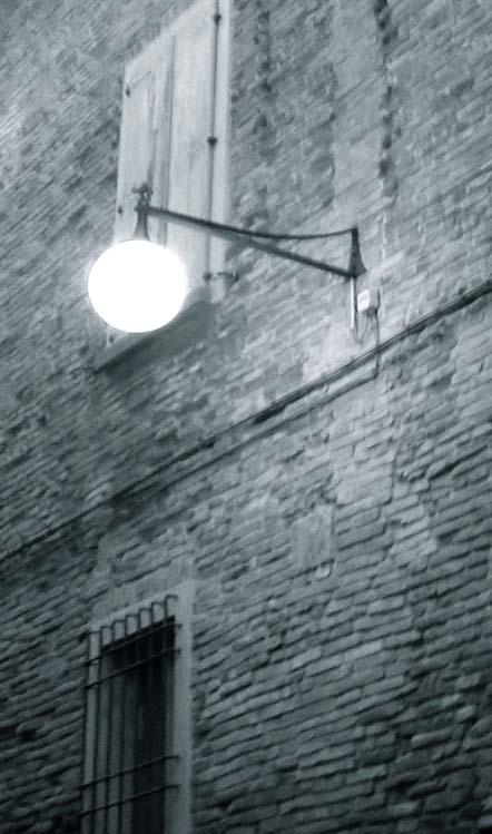 lampione b/n