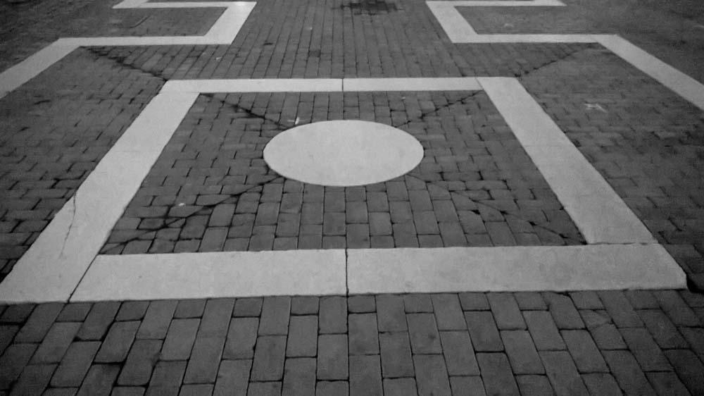 faenza piazza quadrato