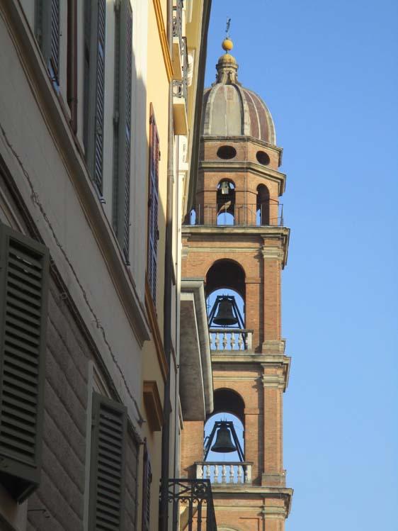 via piazza